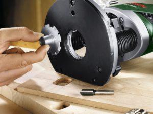 Fräse einsetzen bei der Bosch 1400W